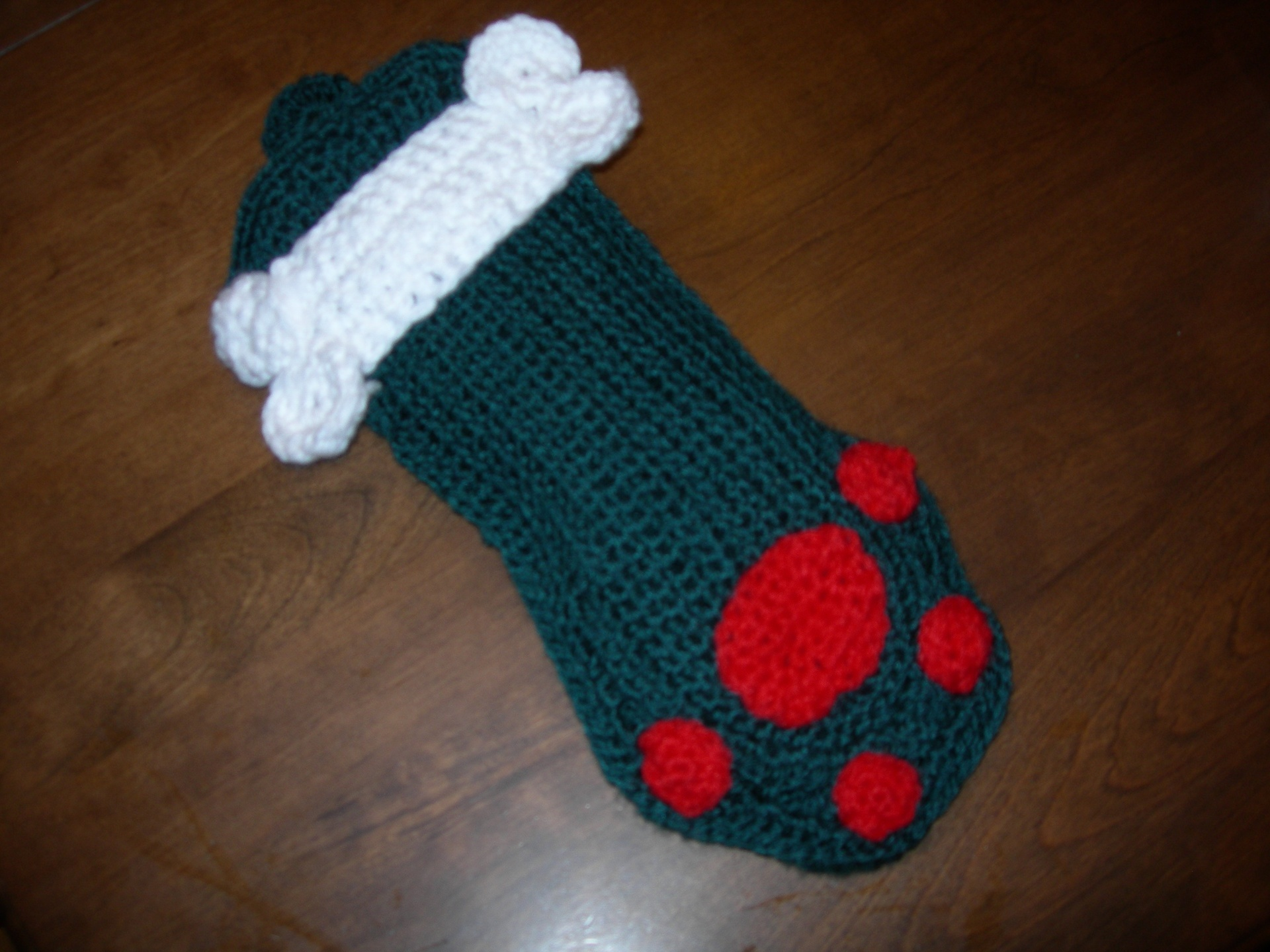 Treat the loveable pet members of your family to some holiday goodies so they'll have their own fun come Christmas morning. This stocking for your kitty is easy to crochet and will complete your group of family stockings.5/5(2).